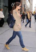 Katie Holmes in botine Isabel Marant