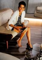 Halle Berry prezinta prima ei colectie de pantofi: 5th-Avenue