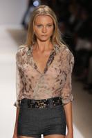 New York Fashion Week primavara-vara 2010 - Carlos Miele