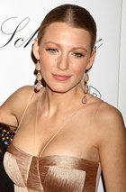 Blake Lively, noua imagine a gentilor Chanel