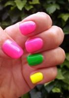 4 Idei pentru o Manichiura in Culori fluorescente